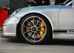 保时捷GT3升级陶瓷刹车